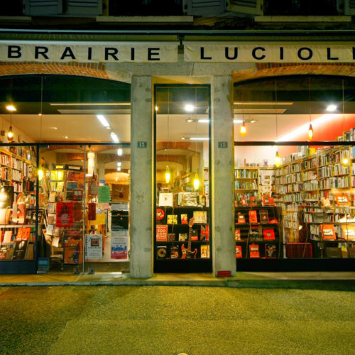 La table de la Librairie Lucioles